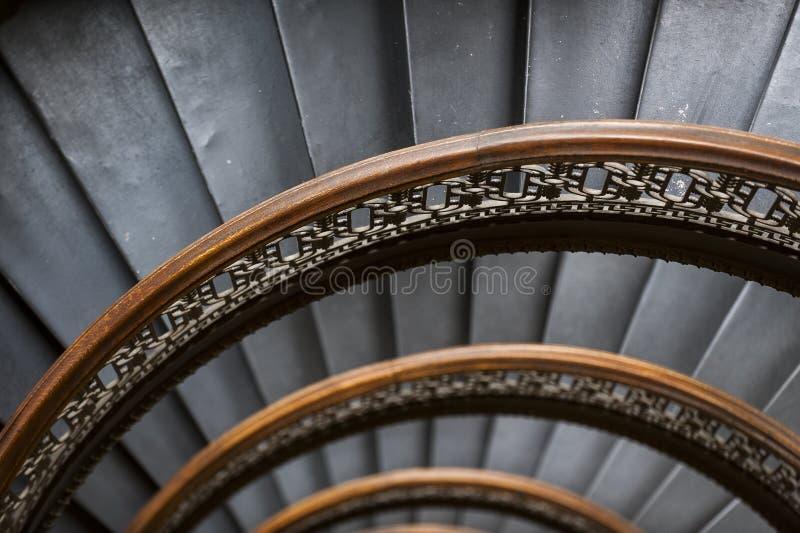 De Arrottbouw - half Cirkel Spiraalvormige Marmeren Trap - Pittsburgh Van de binnenstad, Pennsylvania royalty-vrije stock foto's
