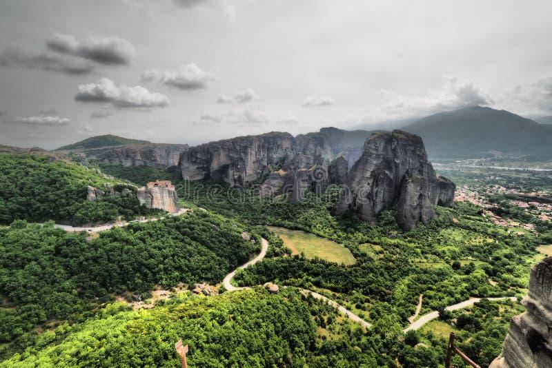 De artistieke panoramische zwart-witte mening van Meteoragriekenland van stock afbeelding