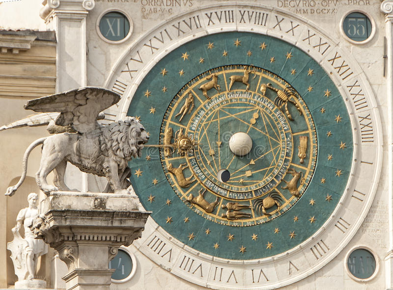 De astronomische klok en de leeuw Padua Padua royalty-vrije stock afbeelding