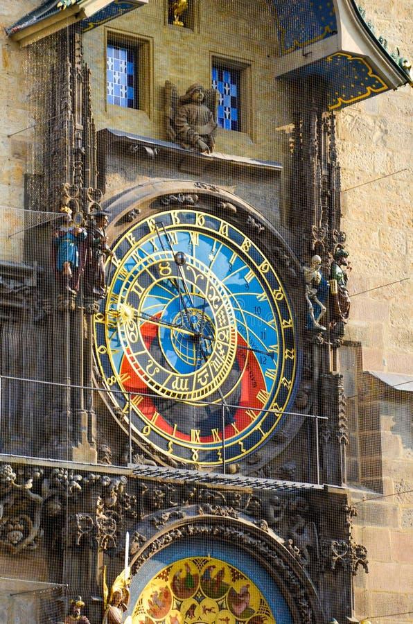 De Astronomische Klok van Praag, Bohemen, Tsjechische Republiek Opgezet op de zuidelijke muur van Oud Stadhuis in het Oude Stadsv royalty-vrije stock foto's