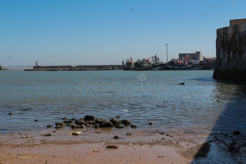 De Atlantische Oceaan en een haven in Gr Jadida, Marokko royalty-vrije stock foto's