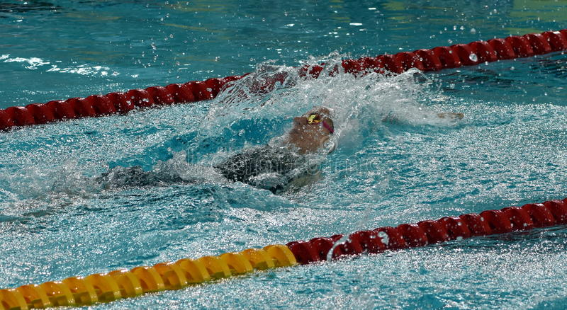 De Australische olympian en zwemmer Emily SEEBOHM AUS van de wereldkampioen royalty-vrije stock afbeeldingen