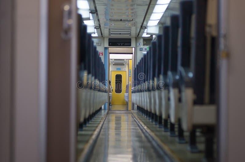 de auto van de passagierstrein royalty-vrije stock fotografie