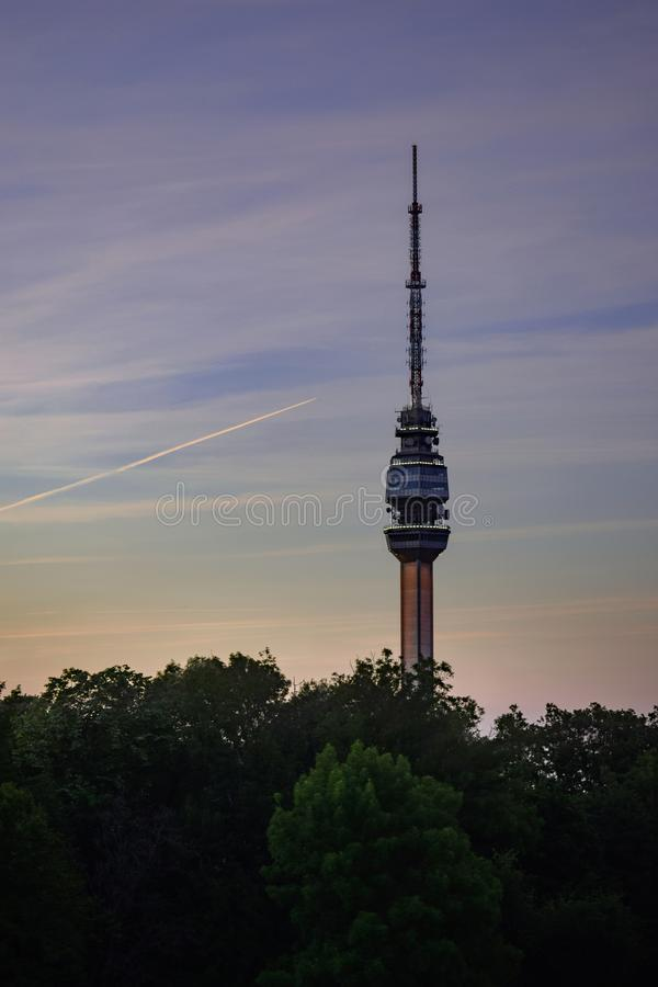 De Avala-toren, het uitzenden toren stock foto's