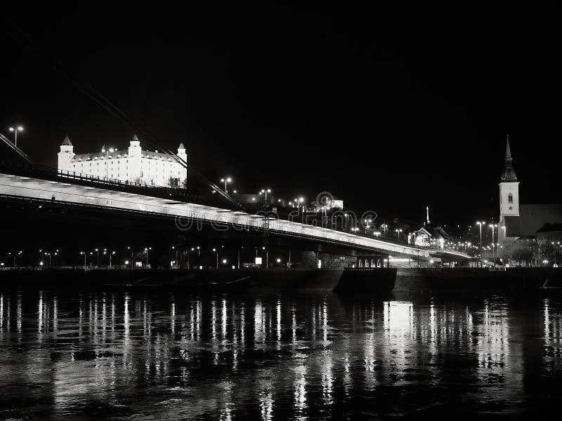 De avond van Bratislava, aardige mening van ciity stock foto's