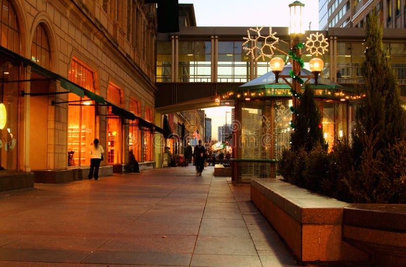 De avondstraat van Minneapolis stock afbeeldingen
