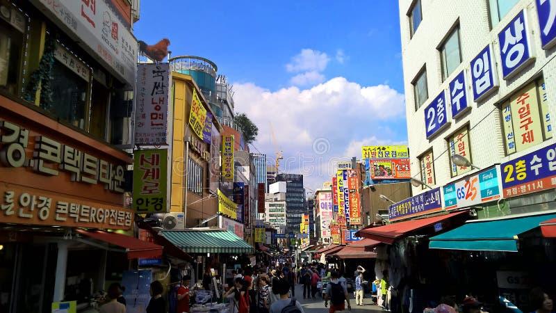 De Aziatische markt van de stijlkleding in Seoel, Korea stock foto