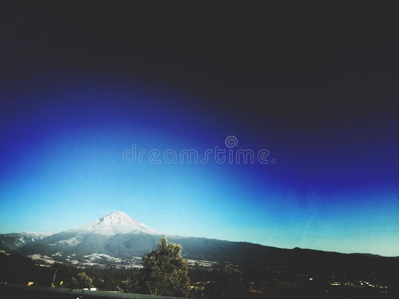 De bästa sikterna av vulkan Popocatepetl royaltyfri fotografi