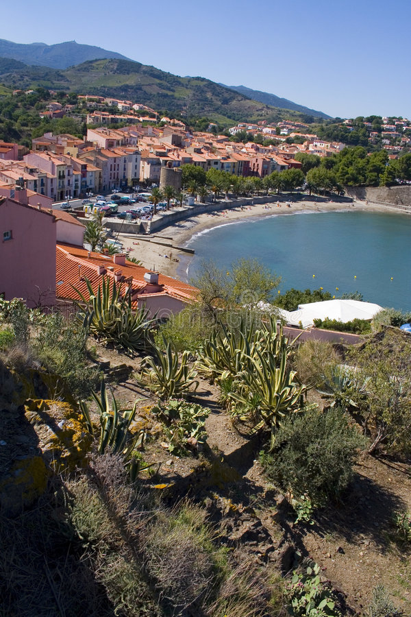 De baai van Collioure stock afbeeldingen