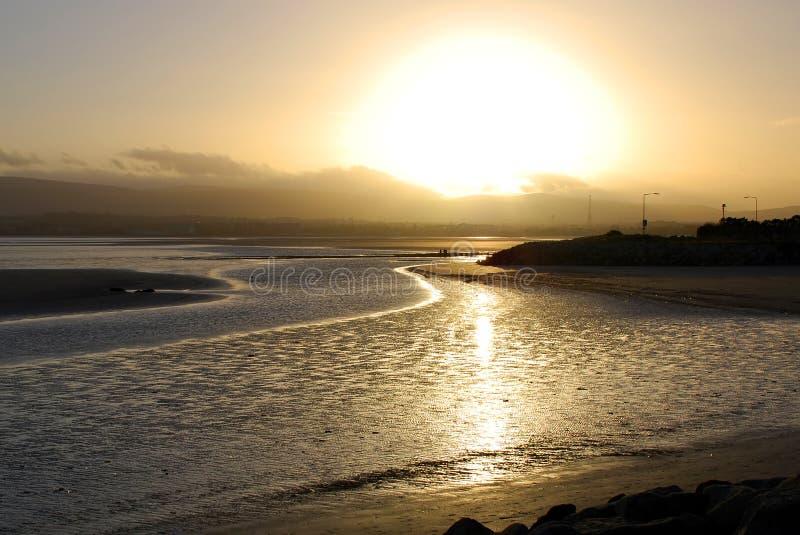De baai van Dublin bij schemer stock fotografie