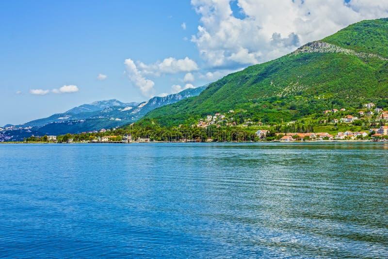 De baai van Kotor van Montenegro Panorama op stad royalty-vrije stock afbeeldingen