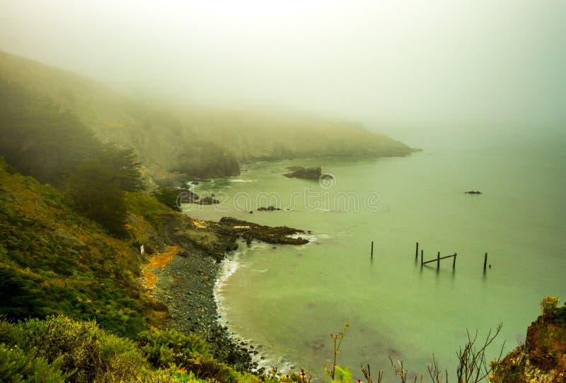 De baai van San Francisco onder zware mist royalty-vrije stock afbeeldingen