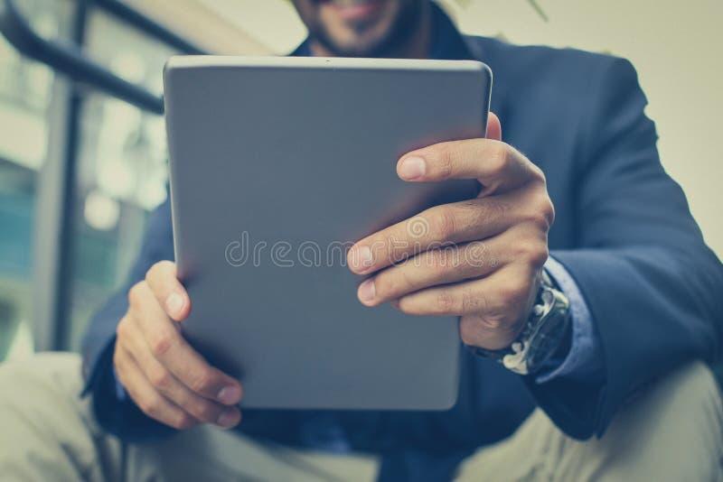 De baan is gemakkelijker met de moderne technologie stock afbeeldingen