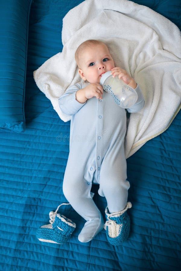 De baby eet royalty-vrije stock foto