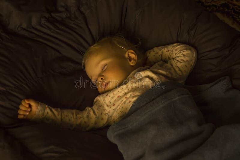 Download De Baby van de slaap stock afbeelding. Afbeelding bestaande uit rust - 54084767