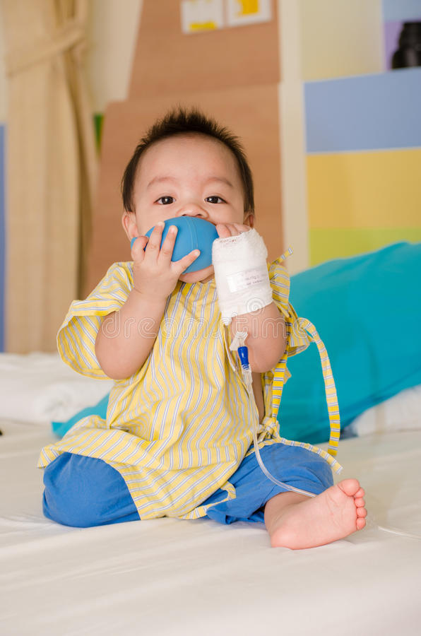 De baby van Thailand heeft zieken. stock foto's