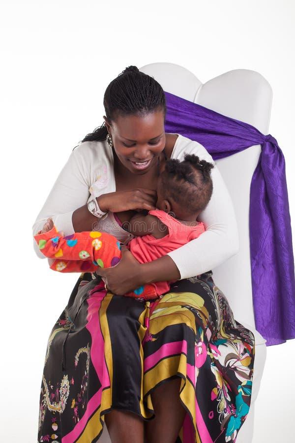 De baby wil worden de borst gegeven royalty-vrije stock afbeeldingen