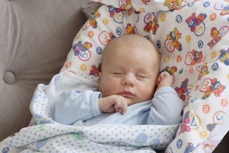 De babyjongen van de slaap stock foto's