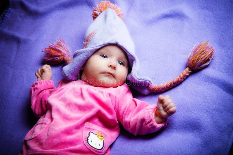 De babymeisje van de winter stock foto
