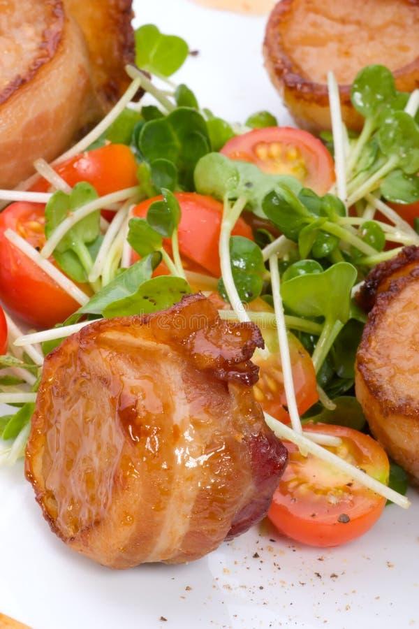 De bacon-verpakte Kammosselen van de Soja van de Gember stock afbeeldingen