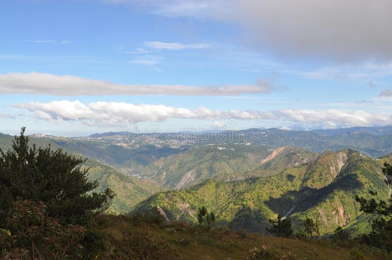 De Baguiostad, Baguio, Baguio-Stads Hoge Middag, het bekeken fom Onderstel Ulap van Baguio Stad, zet Ulap, MT Ulap, Benguet, Fili stock foto's