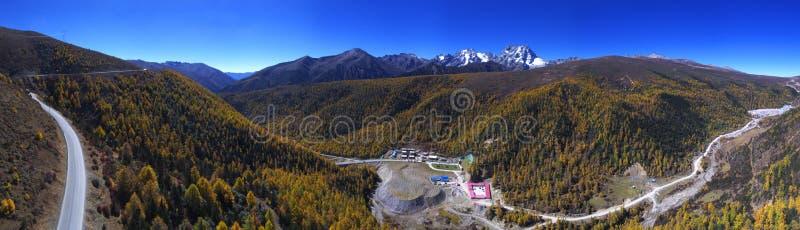 ` de Baima do ` da montanha da neve de Panoramaof imagens de stock royalty free