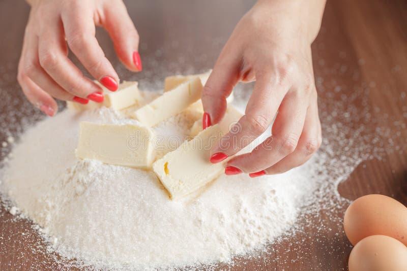 De bakselingrediënten voor shortcrustgebakje, sluiten omhoog stock afbeeldingen