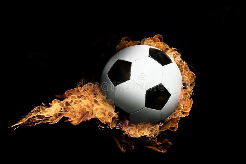 De Bal van de voetbal in Vlammen stock fotografie