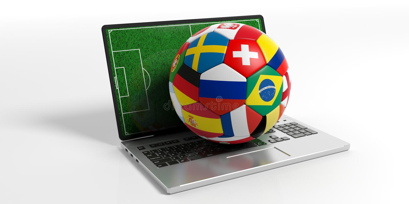 De bal van de voetbalvoetbal met wereldvlaggen op een computer, op witte achtergrond wordt geïsoleerd die 3D Illustratie vector illustratie