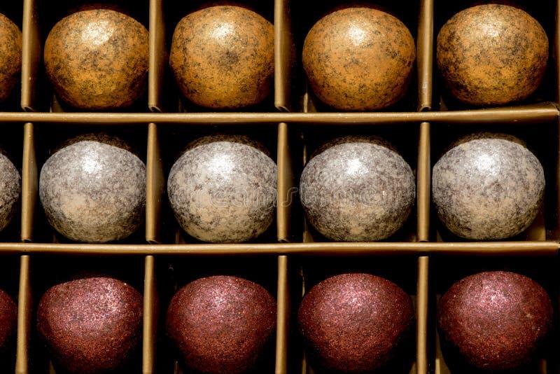 De ballen van de chocoladekleur stock fotografie