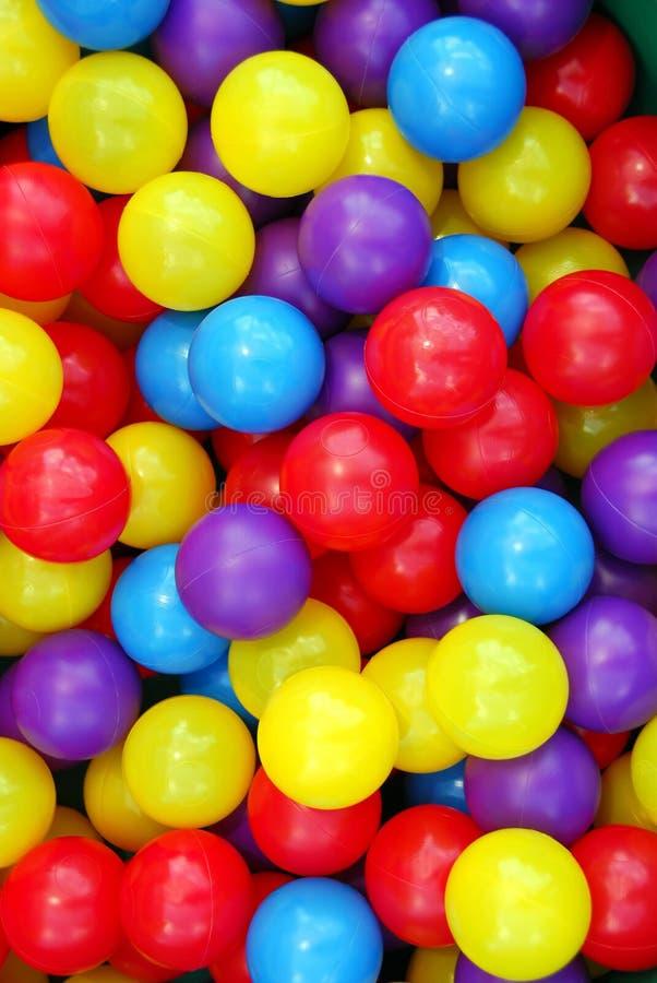 De ballen van de speelplaats stock afbeelding