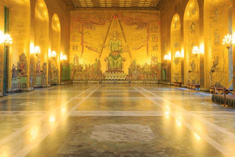 De balzaal van het Stadhuis van Stockholm stock foto's