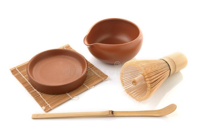 De bamboethee zwaait voor matcha op witte achtergrond, traditionele cultuur van Japanse matcha teaware stock foto's