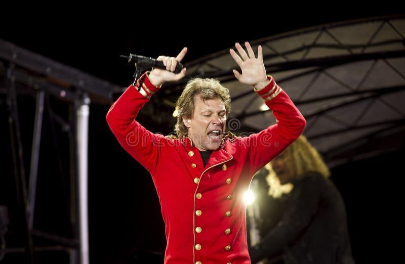 De band Bon Jovi voert een overleg uit stock fotografie