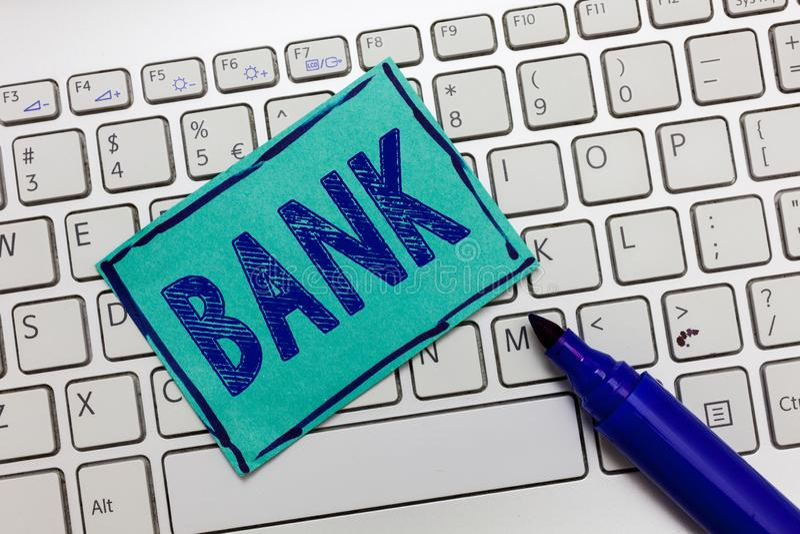 De Bank van de handschrifttekst Concept die een organisatie betekenen waar de mensen en de ondernemingen borrow geld kunnen inves stock afbeeldingen