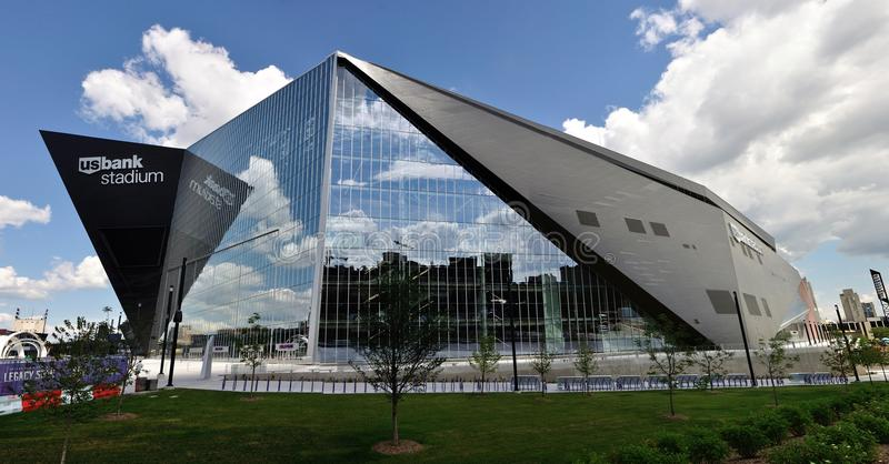 De Bankstadion van de Minnesota Vikingsv.s. in Minneapolis stock afbeeldingen