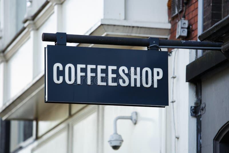 De banner van de koffiewinkel op ingang in Amsterdam royalty-vrije stock afbeelding