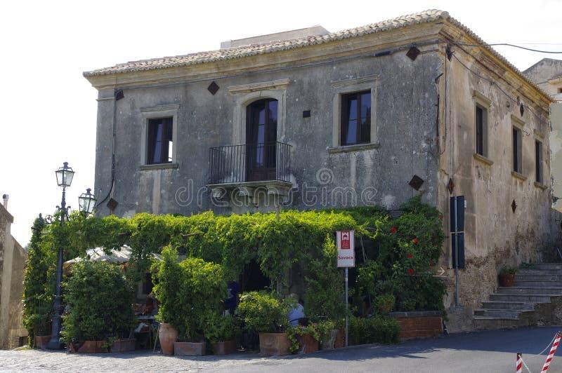 De bar Vitelli in Savoca was het plan voor de scènes in Corleone van Francis Ford Coppola ` s Godf stock foto