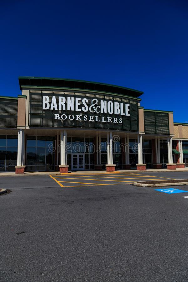 De Barnes & Noble-Boekhandelaarsingang stock afbeeldingen