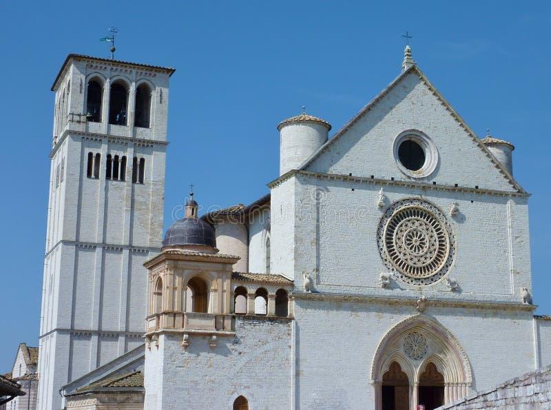 De basiliek in Assisi in Italië stock afbeeldingen