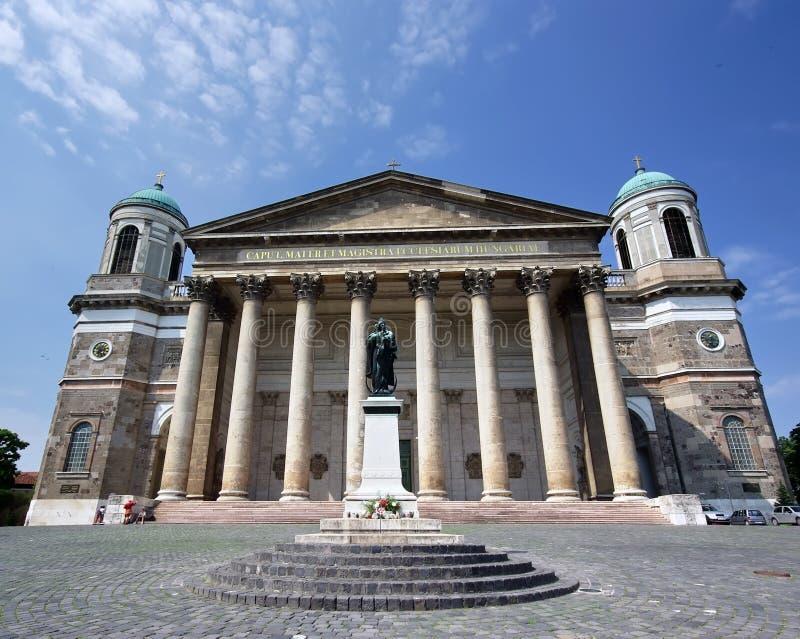 De basiliek van Esztergom - vooraanzicht stock afbeeldingen