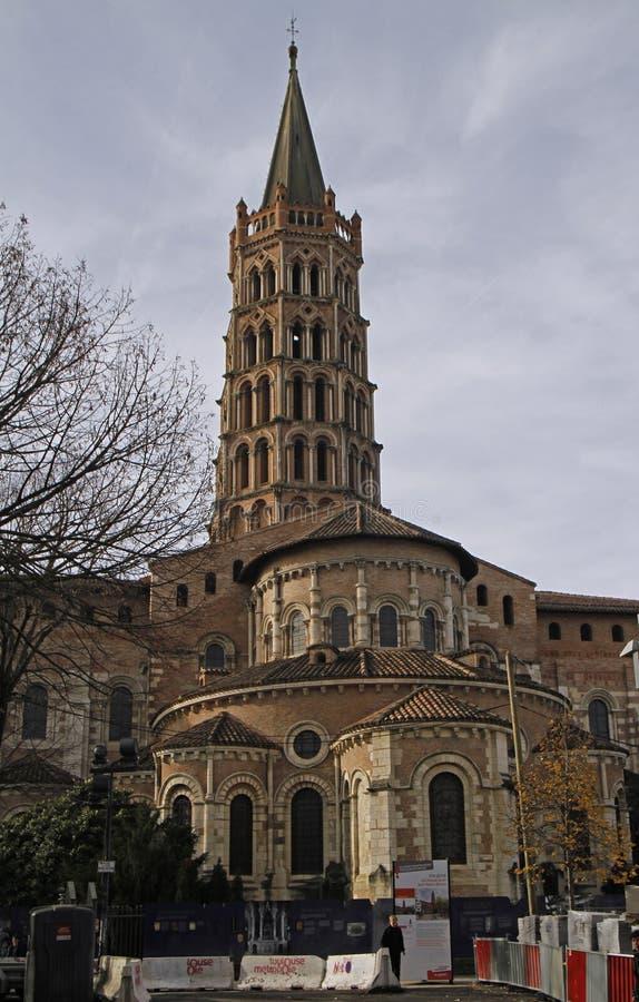 De basiliek van Heilige Sernin in Toulouse stock afbeeldingen
