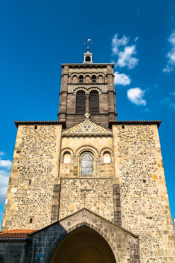 De Basiliek van Notre-Dame du Port in Clermont-ferrand, Frankrijk stock afbeeldingen