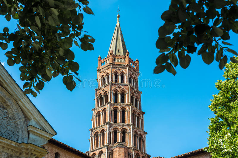 De Basiliek van St Sernin in Toulouse, Frankrijk royalty-vrije stock foto's