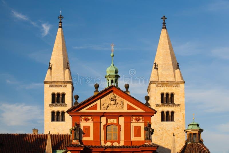 De Basiliek van StGeorge in Praag royalty-vrije stock afbeelding