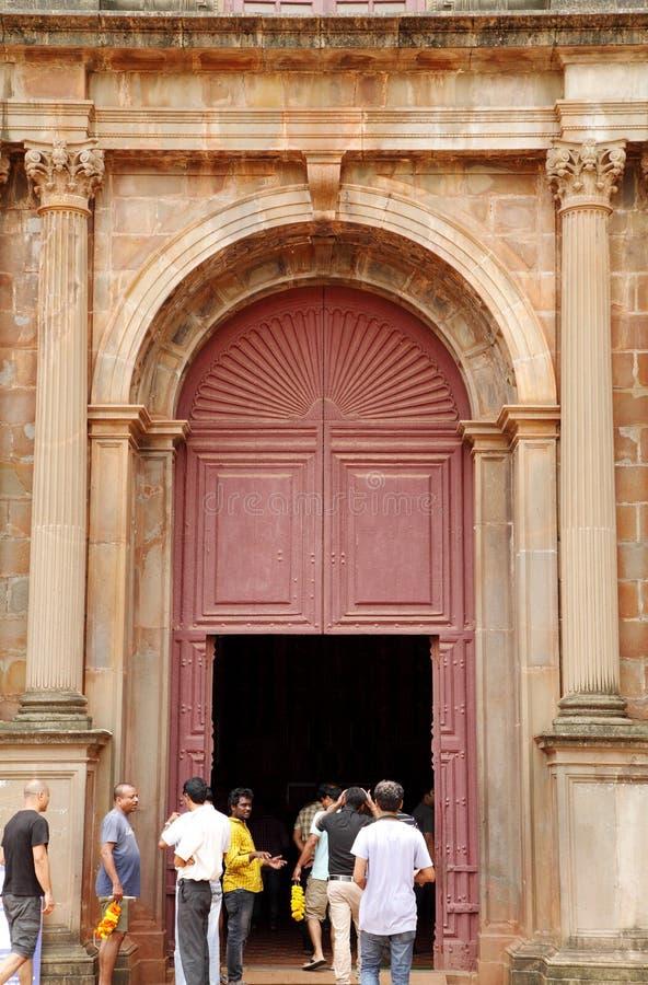 De basiliekkerk houdt de dodelijke overblijfselen van St Francis stock foto's