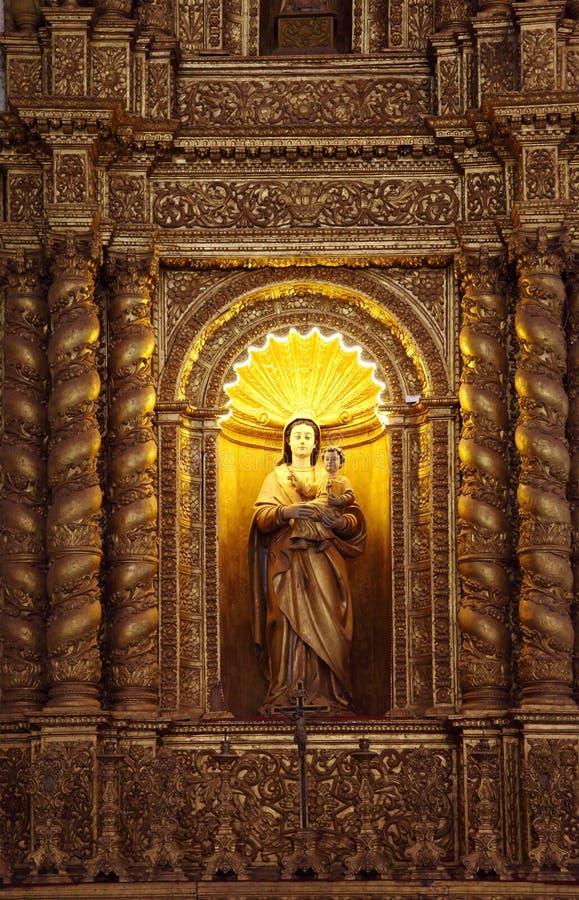 De basiliekkerk houdt de dodelijke overblijfselen van St Francis stock foto