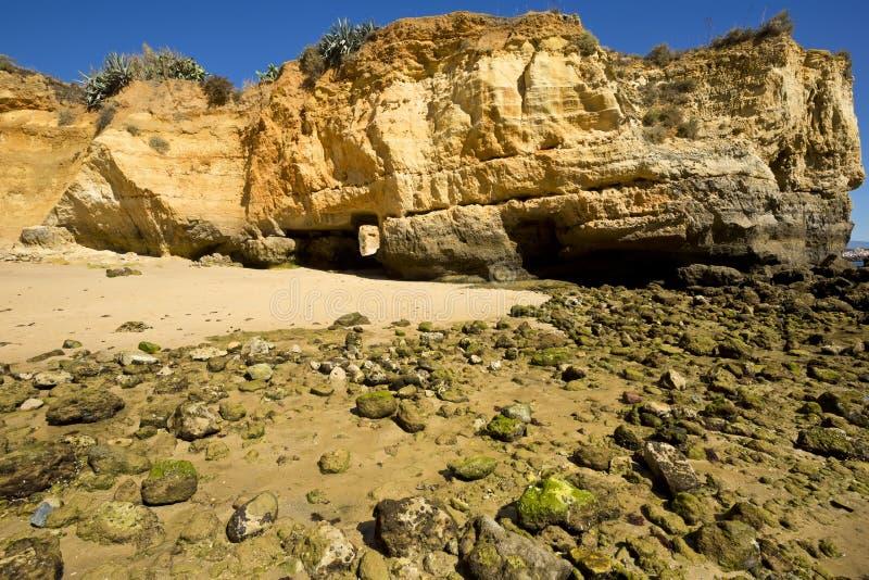 De Bataat van Praiada, strand in Lagos in Algarve Portugal royalty-vrije stock afbeelding