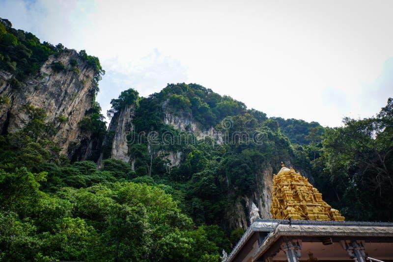 De Batu grottorna Lord Murugan Statue och ingång nära Kuala Lumpur Malaysia royaltyfri foto