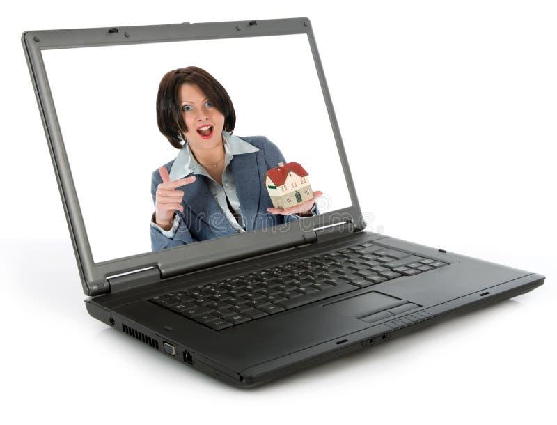 De bedrijfs vrouw adverteert onroerende goederen stock afbeelding